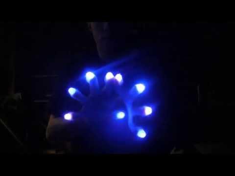 [Cherokee] Glove Light show *Robots Don't...