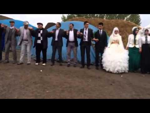 Ağrı da Köylülerin düğünü