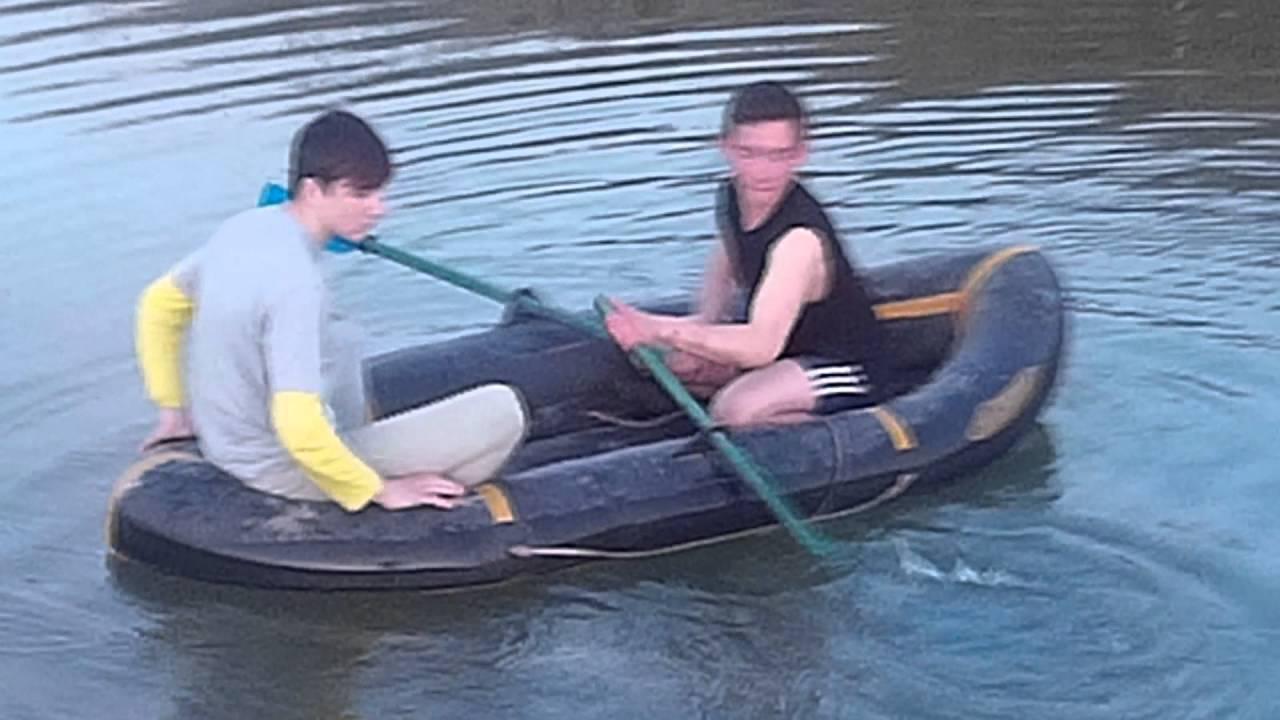 сети в лодке сети рыболовные