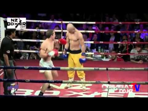 Yi Long, Shaolin Monk who resists K O !  Boxing ! MMA