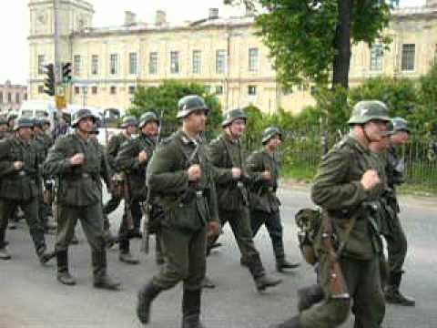 На съёмках фильма Эльдара Рязанова Андерсен, жизнь без любви. Казалось бы, при чём тут фашисты?