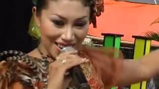 Download Mp3 Gandrung Reny Maharani - Mergo Riko