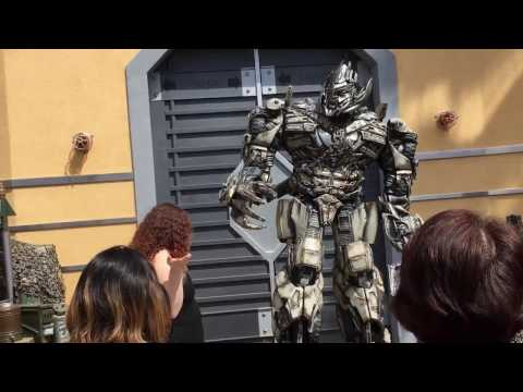 Transformers Meeting Megatron Universal Studios Hollywood 2017