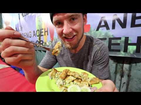 AMERICAN Eats INDONESIAN STREET FOOD In JAKARTA!! (First Reaction)