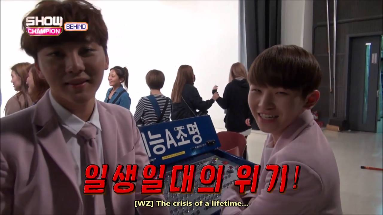 [ENG] SEVENTEEN Show Champion Fan Attack BTS - Hoshi and Woozi