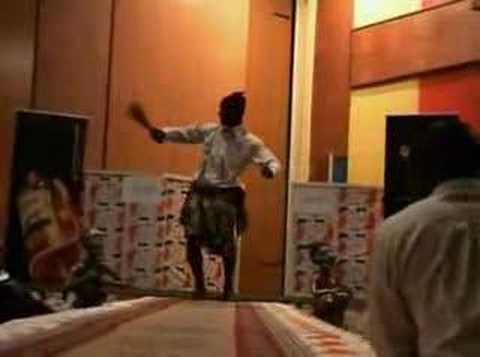Election de Mister Cameroun, défilé en tenue traditionnelle