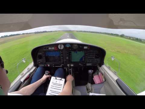 Practicing landings and VFR approach in the Diamond DA40 (with ATC)