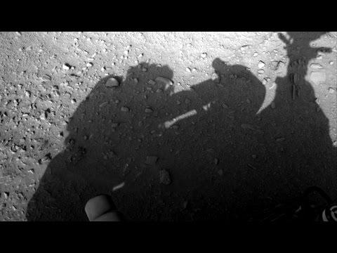 火星探査車を修理するノーヘルの人間の影が撮影される! プロジェクト・ペガサスが実施されていた証拠か?