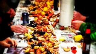 Low Country Boil with Shrimp, Crabs & Clams