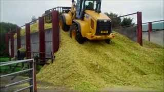Cat® 924K Ag Handler Small Wheel Loader at Work in UK