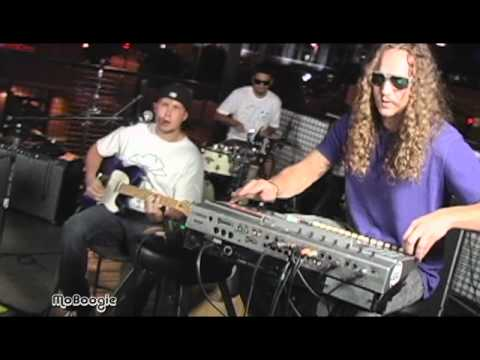 """TATANKA """"The Leaving Song"""" - live MoBoogie Rooftop Session @ Lodo's"""
