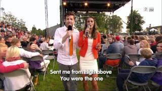 Didrik Solli-Tangen og Benedicte Årving - Where The Lost Ones Go - Allsang på grensen HD