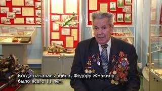 Федор Жмакин во время войны осваивал токарный станок, стоя на ящиках