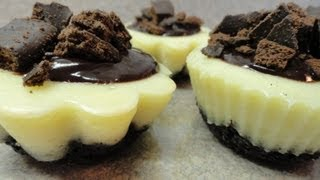 Mint Cookie Mini Cheesecakes (using Girl Scout Thin Mint Cookies)
