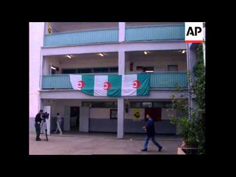 ALGERIA: ALGIERS: VOTERS GO TO POLLS IN LOCAL ELECTIONS