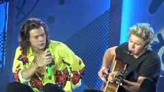 Video One Direction - Harry Talk + Little Things OTRA in Manila download MP3, 3GP, MP4, WEBM, AVI, FLV November 2017