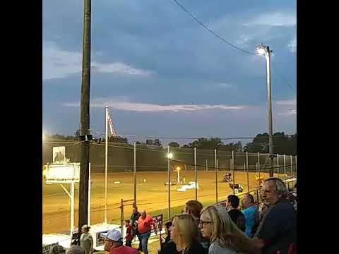 Sprint car racing at I-30 Speedway.