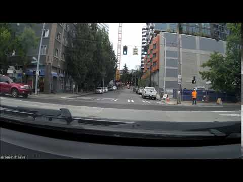 Bad Seattle Driving 1: Egregious red light runner in downtown Seattle