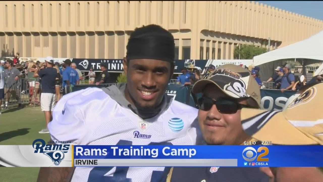 4f40bc77 Rams Fans Meet Players At Training Camp