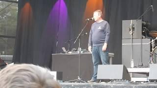 Claus-Peter Reisch auf der Abschlusskundgebung der Demo #ausgehetzt