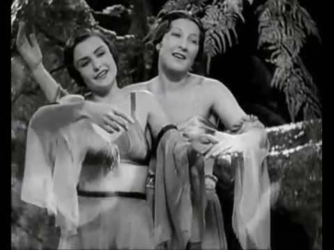 Zivot je jen náhoda, 1932, com Hana Vítová, Ljuba Hermanová, Cenas nº 01