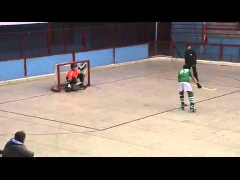penal de Camilo Illanes jugador del Club Patín Vilanova Chile streaming vf