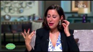 منة شلبي: والدتي كانت هتولع في شعري بسبب الحشرات (فيديو)