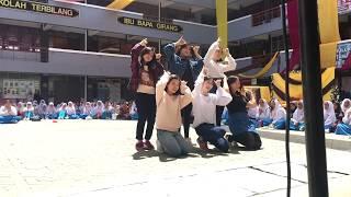 Video SMKBJ Teacher's Day Performance | TWICE - Signal download MP3, 3GP, MP4, WEBM, AVI, FLV Juli 2018