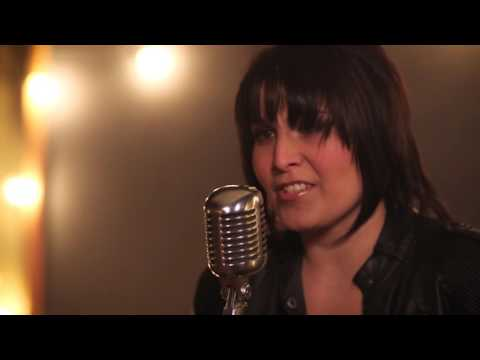 Sabrina Fallah - Paradise Comes With a Price (Acoustic Video)