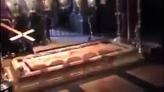 Кровоточит мраморная плита в храме Гроба Господня