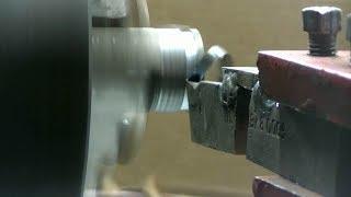 Отрезной резец, который режет на любом самодельном токарном станке по металлу