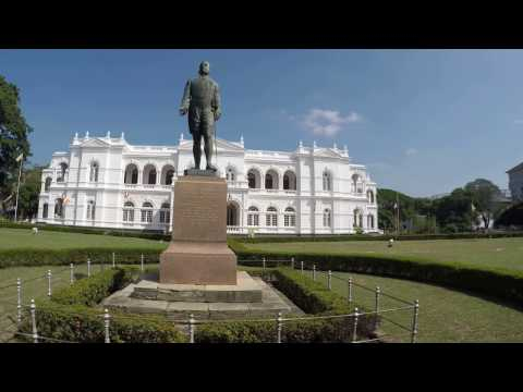 Exterior of National Museum, Colombo 2016 [CC]