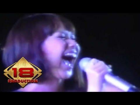 Bunga Citra Lestari - Cinta Pertama (Sunny) (Live Konser Pontianak 2008)