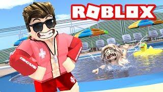 Opening a PUBLIC POOL in ROBLOX BLOXBURG... it was funny