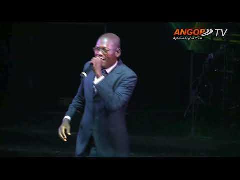 Concerto  Deus ama Angola  une diferentes músicos gospel