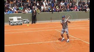 Теннис. Удар слева слёта.