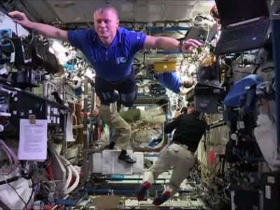 "ISS Crew Defy Gravity with ""Mannequin"" Challenge"