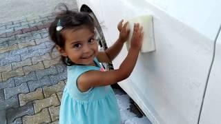 Ayşe Ebrar arabayı çok kirletti. Araba yıkıyor. Ayşe Ebrar washing car. For Kids Video