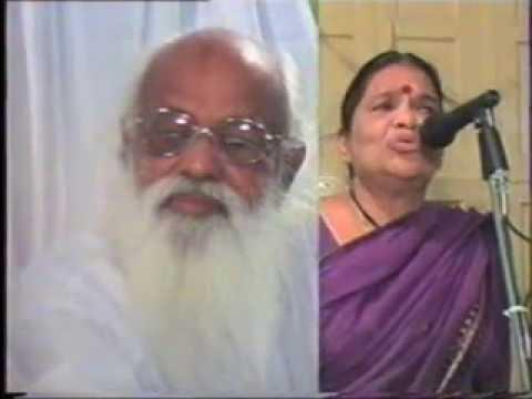 Babjis Sivrathri - Hyd 27 9 2002b