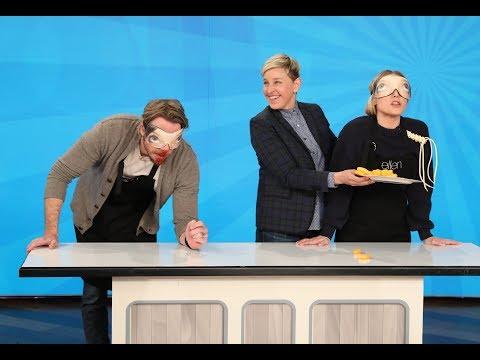 Kristen Bell & Dax Shepard Play An Unforgettable Round Of 'Taste Buds'