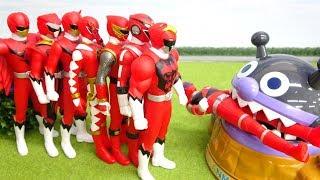 ばいきんじょうにシシレッドが食べられてる 赤いヒーローたちが大集合
