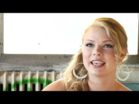 SEXTING IN SUBURBIA: Behind the s Kelli Goss