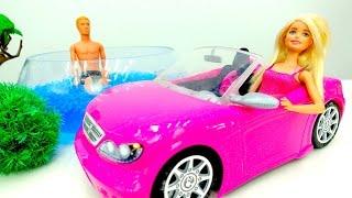 Барби собирается в бассейн. Одевалки и видео для девочек