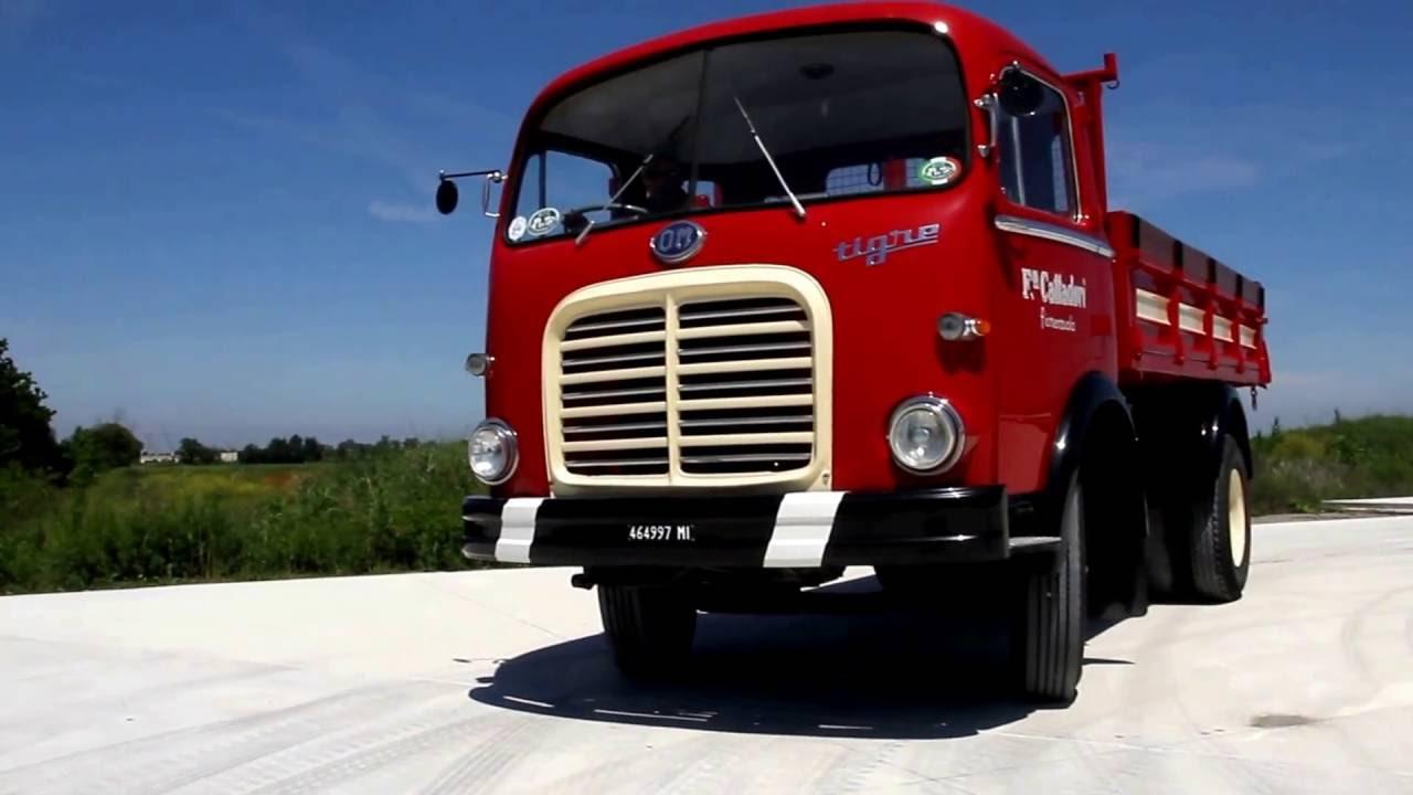 come guidare un vecchio camion om tigre grazie franco youtube. Black Bedroom Furniture Sets. Home Design Ideas