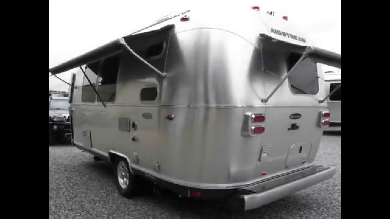 2016 airstream flying cloud 20c bambi small camping travel trailer for sale youtube. Black Bedroom Furniture Sets. Home Design Ideas