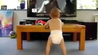 Ребёнок танцует под Single Ladies.mp4(, 2011-02-06T10:49:35.000Z)