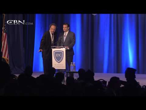 Arab Christians Boo Ted Cruz for Pro-Israel Remarks