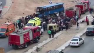 بالفيديو والصور- آثار حادث مدينة نصر.. ''أتوبيس دهس سيارة ميكروباص بالركاب''