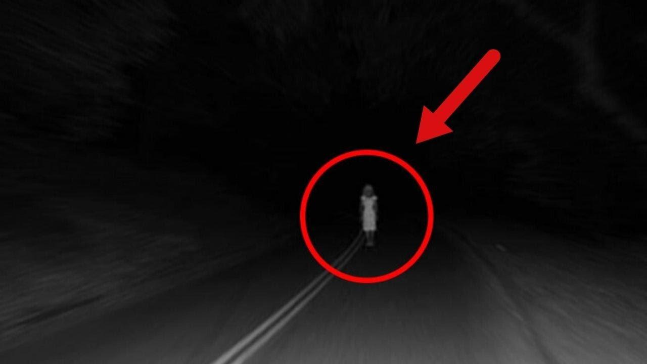 (ВИДЕО) - Страшни и Мистериозни Същества Заснети Късно През Нощта от Шофьори!