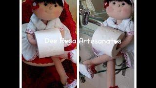 Boneca porta – papel: Costura do roupão parte 2/3 por Dee Rosa Artesanatos